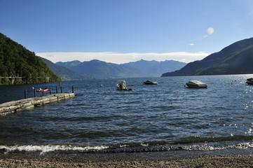 See Lago Maggiore mit Alpenpanorama
