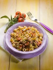 pasta with tuna zucchinis and tomatoes