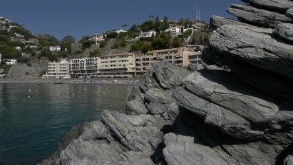 Cotobro beach past the camera by rocks