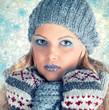 canvas print picture - hübsche Frau im Winter