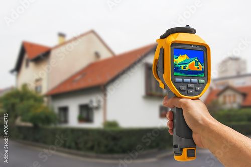 Recording Heat Loss at the House - 70040713