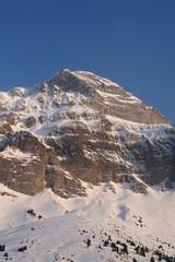 berglandschaft im schnee winter