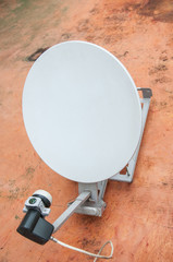 Small digital satellite reciever