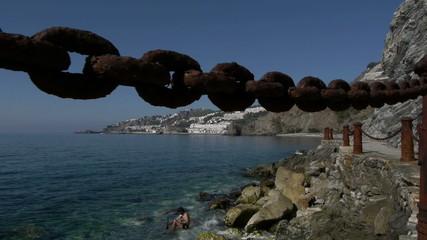 beach camera movement to the chain