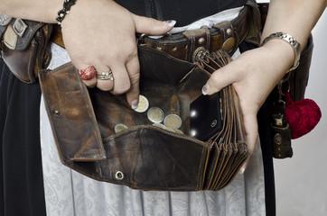 Wiesn Bedienung mit beleuchtetem Geldbeutel und Holster mit Acce