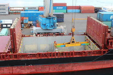 Container Verladung Färöer Inseln