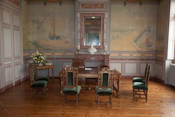 Mairie, salle de mariage avec fresque