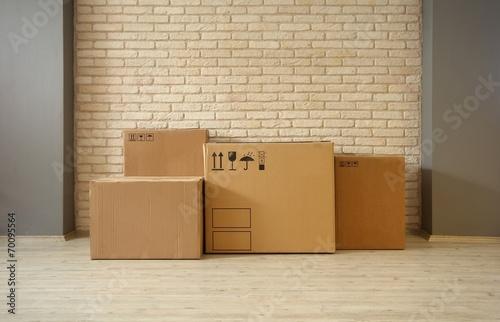 Cardboard Boxes - 70095564
