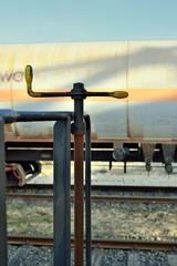 Kolejnictwo, ręczny hamulec wagonu kolejowego