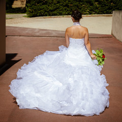 Future mariée attendant