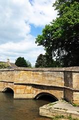 Medieval stone bridge, Burford © Arena Photo UK