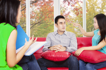Young couple visit psychiatrist