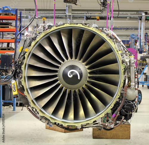 Fotobehang Vliegtuig jet engine during maintenance