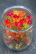 Süßigkeiten im Glasbehälter
