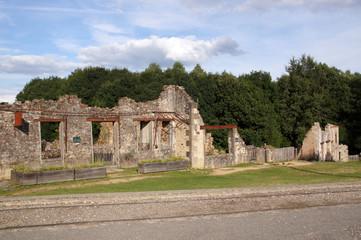 ruine d'un hôtel / restaurant à Oradour-sur-glane