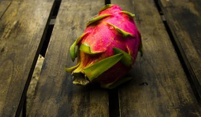 драгонфрут на столе