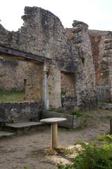 ruine d'un café/bar à Oradour-sur-glane