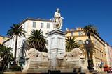 Fontaine des quatre lions et statue du 1er Consul