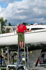 chantier naval-réparation d'un yacht