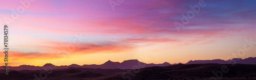 Fotobehang Zonsondergang Tramonto rosa sul deserto