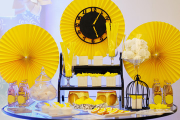 Elegant yellow sweet table