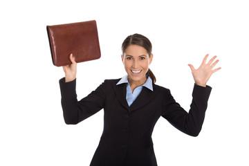 Erfolgreiche junge Frau freigestellt jubelt über ihre Karriere