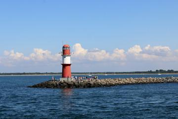 Roter Leuchtturm in Rostock Warnemünde