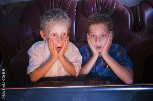 canvas print picture brothers watching scary TV