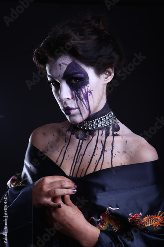 canvas print picture Gothic Expressive Girl on Plain Background