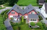 Eigenheim auf dem Land aus der Luft - 70175119