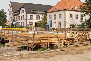 Bauarbeiten an einer Strassenbrücke - Holzverschalung