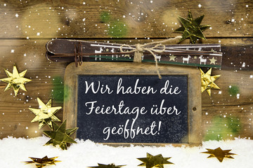 Weihnachten und Feiertage geöffnet Schild für Tourismus