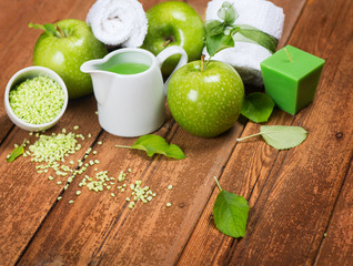 spa composition of green apple