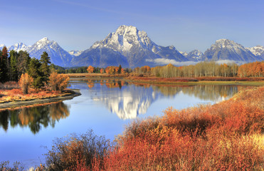 Grand Teton ranges fall colors along Snake River, wyoming