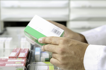 hands of a pharmacist