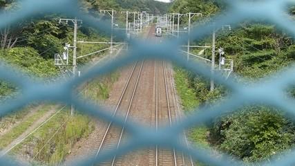 高架橋から撮影した鉄道の列車_3
