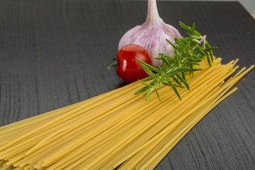 Raw spagetti