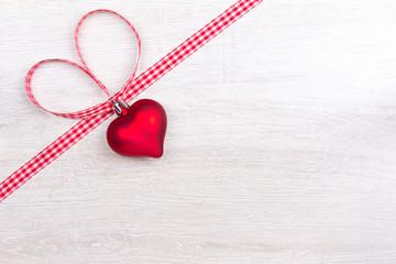Herz Band Schleife rot weiß