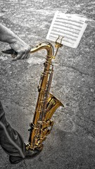 Sax on the feet