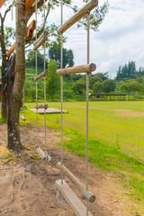 木を使ったロープブランコ