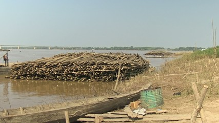 bamboo rafts settled along the mekong river (3)