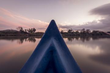 Canoe su fiume