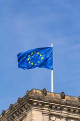 Europa-Fahne auf dem Reichstag in Berlin