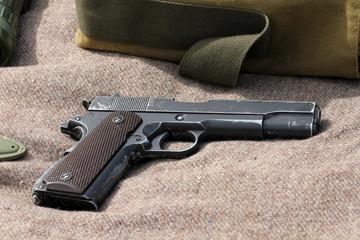 Pistolet de l'armée Américaine (39-45)