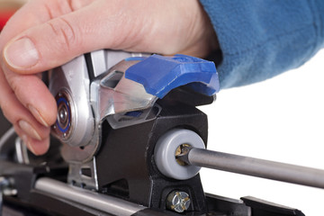 adjusting ski binding release setting