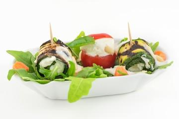 involtini di zucchine grigliate con formaggio e salsa greca