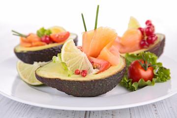 avocado salad with salmon