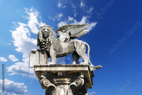 Leinwanddruck Bild Winged St Mark Lion in Verona - Italy
