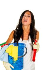 Hausfrau ärgert sich über putzen