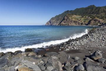 Strand an der Nordküste von Madeira
